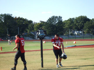 Football players ring bell033_
