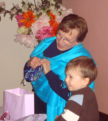 Surprise mom smiling and cute Austin_56