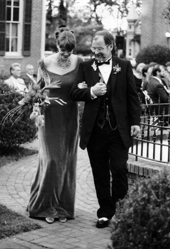 Wedding bw handa arm n arm