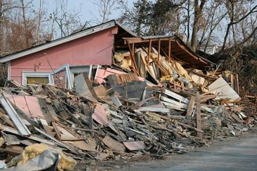 Bama tornadoes wreckage jpeg