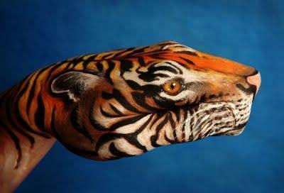 Hand tiger