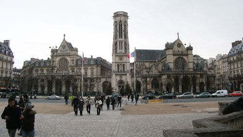 Parislouvchurches0742