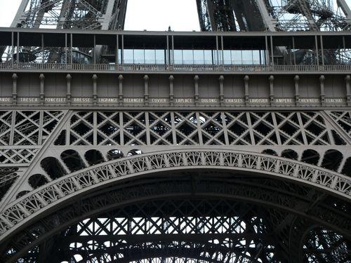 Paristour0839