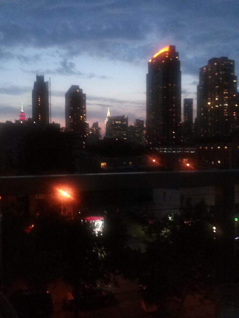 Ny lic balcony night